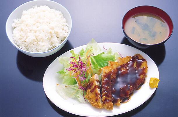 Tonkatsu-Set Chicken or Pork